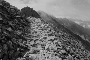 「天空への道」 写真 329x483mm