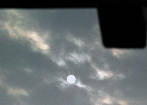 01. April 2013 - Kein 1. Aprilscherz: die Sonne kämpft um Zutritt