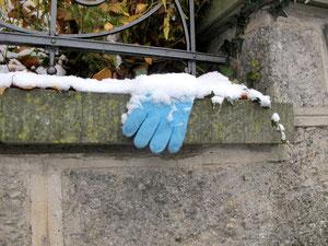 12. Dezember 2012 - D'Maitli leged d'Händsche a...
