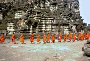 27. Februar .2012 - Einzug von Mönchen in Ankor Wat
