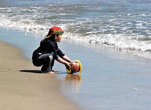 17.04.2013 - Magst du auch aus dem Meer schöpfen, du bekommst doch nur so viel, als dein Krug fassen will (Indische Weisheit)