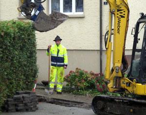 """10. Oktober 2012 - Ein """"Gast"""" - nicht im, sondern vor dem Haus, trotz Regen, Kälte und Dreck"""