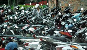 16. Februar 2013 - Stadt der Mofas (Hanoi)