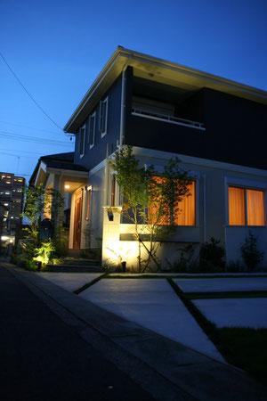 効果的なライトアップでお家をかっこ良く!