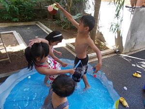 暑い日の水遊びは格別!