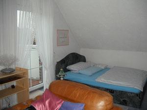 Großes gemütliches Doppelbett