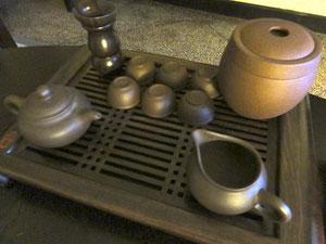 工夫茶のセットも部屋に。さすが茶どころ。