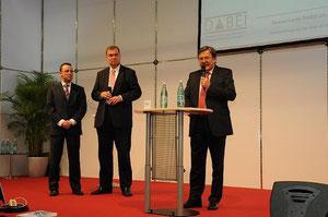 v.r.n.l.: Dr. Alexander Kantner, Dr. Michael Gude und Carsten Deckert auf der iENA 2011