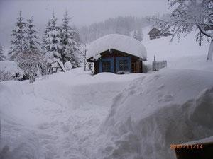 Garten Haus im Schnee