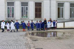 """Evacuazione di una scuola durante l'Esercitazione """"Campania 2005"""""""
