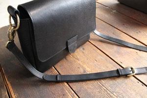 写真をクリックすると、bagの詳細ブログに。。