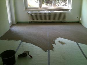 Ein fast fertiger Boden zum Belegen von unterschiedlichen Materialien