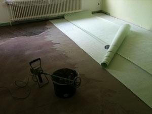 gerissener estrich fliesen fliesenleger gutachter sachverst ndiger g nstig beste sch n. Black Bedroom Furniture Sets. Home Design Ideas