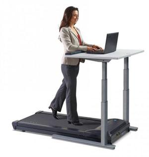 Tisch mit elektrischer Höhenverstellung