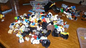 Petit tas de certains de mes personnages Lego..