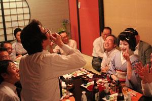 料亭濱長で二次会。土佐流のお座敷遊びを楽しむ。