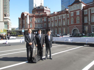 東京駅の丸の内側
