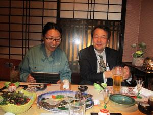 岡林宏二郎先生と嘉茂美佐さん。