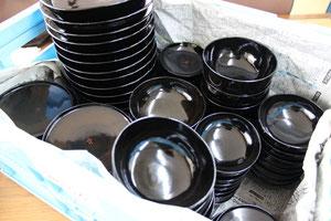 寺院で使われている精進料理(八十椀)の塗り直し