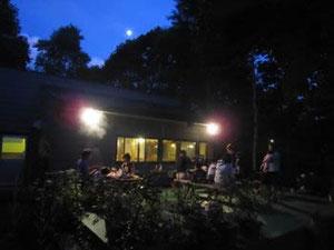 月夜のバーベキュー