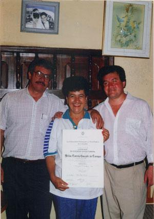 MELIDA GONZALEZ(ESPOSA Y DOCENTE)