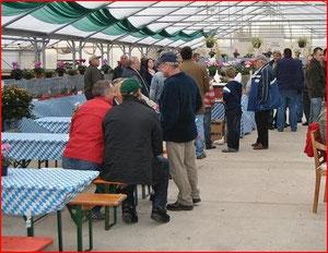 Besuch einiger Gruppenmitglieder des Marktes