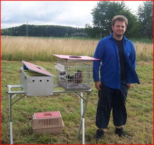 aktiver FK-Flieger, man beachte den kleinen materielen Aufwand fürs FK fliegen