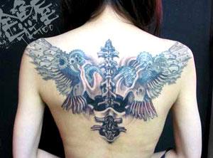 機械 翼 羽 バイオメカ タトゥー