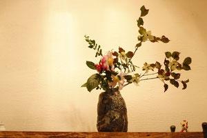 キレツ黒流釉花器                 SOLDOUT