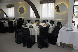 Salonul mic, capacitate 60 P