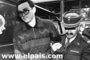 Arriba, José Juan Martín Montañés, llevado a dependencias judiciales.-