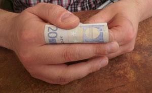 Geldscheintraining mit Hilfe der Fingerlänge; 20 Euro