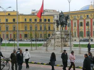 Scanderbeg Platz in Tirana