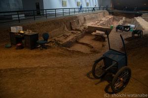 ここでも発掘現場が見られます