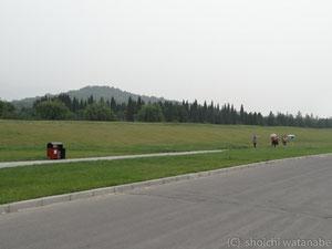 だだっ広い。奥に見えるお山が始皇帝のお墓だとか・・・