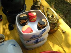 茶席のお菓子も陰陽クッキー