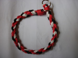 Halsband  Halsweite 38cm  rot,schwarz,weiß