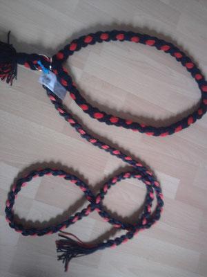 Führstrick mit passendem Halsriemen in rot,schwarz aus Polypropylen und Polyesterwolle