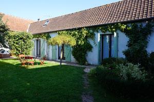 """Vue sur les chambres -  La chambre d'hôtes """"les 3 plumes"""" à Allonville proche Amiens et sa cathédrale - Somme - Picardie"""