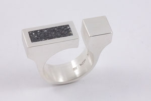 Taler auf schmaler Ringschiene - Ag 925/Beton