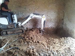 Décaissement d'une pièce à -30cm pour isolation du sol (photo)