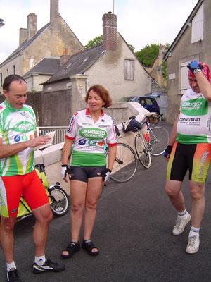 Les 3 cyclotouristes avant le départ