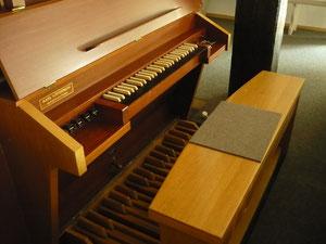 Orgel in Anraff, Spieltisch