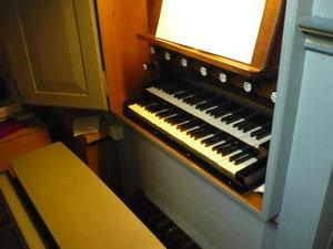 Orgel in Frebershausen, Spieltisch
