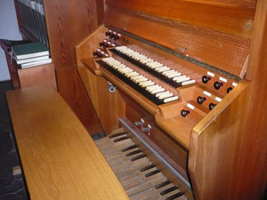 Orgel in Bad Wildungen, Friedenskirche, Spieltisch