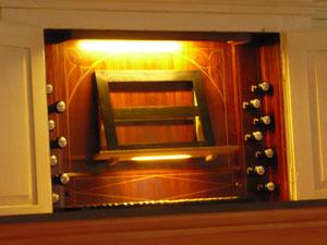 Orgel in Wellen, Spieltisch