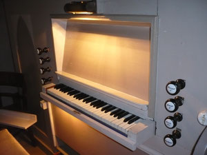 Orgel in Netze, Spieltisch