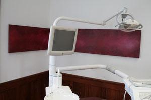 Praxis (Zahnarzt) mit einem Bild von Gabriele Sättler-Döppner