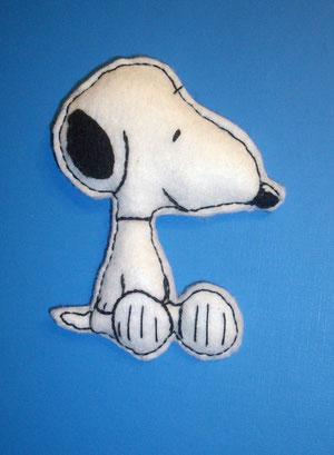 broche de fieltro snoopy