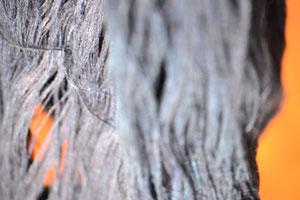 阿波藍で染色された手紬糸(約一か月かけて染色された)